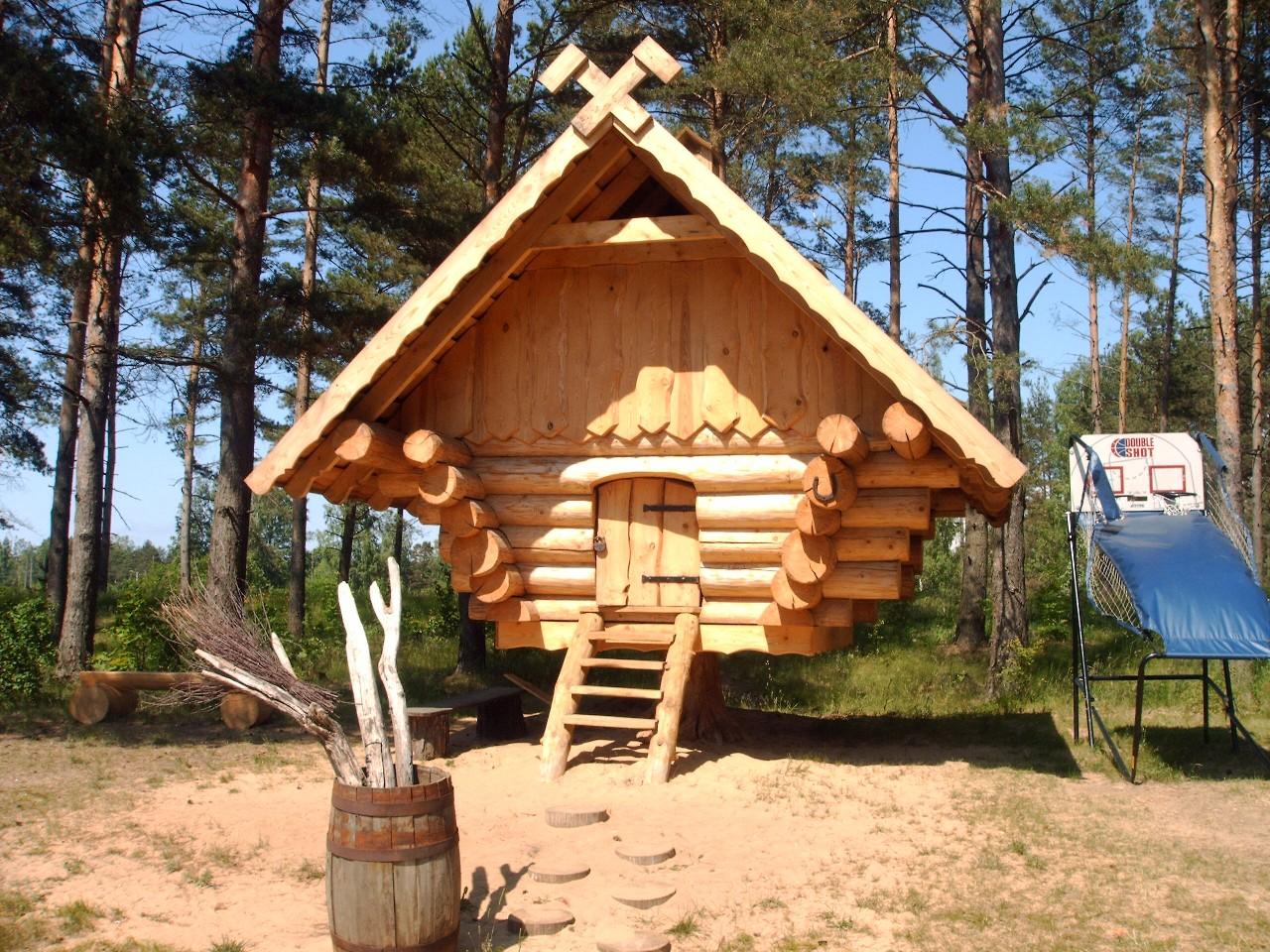 Log builder scotland log cabin scotland log home scotland for Unique cabins
